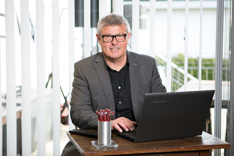 Radio- und Fernsehtechnikmeister Günter Pilhofer